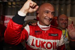 Pole winner Gabriele Tarquini, SEAT Leon WTCC, Lukoil Racing Team