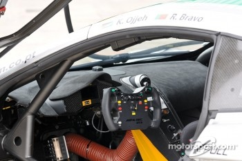 MP4-12C GT3 interior