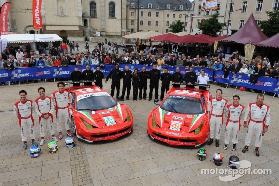 #59 Luxury Racing Ferrari F458 Italia: Frederic Makowiecki, Jaime Melo, Dominik Farnbacher, #58 Luxury Racing Ferrari 458 Italia: Pierre Ehret, Frankie Montecalvo, Gunnar Jeannette