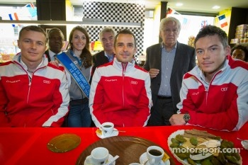 Hand imprint ceremony: Marcel Fässler, Benoit Tréluyer and Andre Lotterer