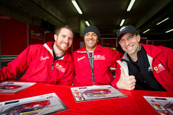 Autograph session: Brian Vickers, Rui Aguas and Robert Kauffman