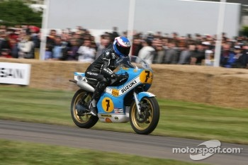 Steve Parrish on Suzuki XR14 RG500