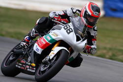 #68 Triumph Daytona 675: Dustin Dominguez
