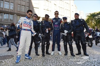 Autograph session, Charles Kaki Ng, BMW 320 TC, Liqui Moly Team Engstler and Alberto Cerqui, BMW 320 TC, ROAL Motorsport
