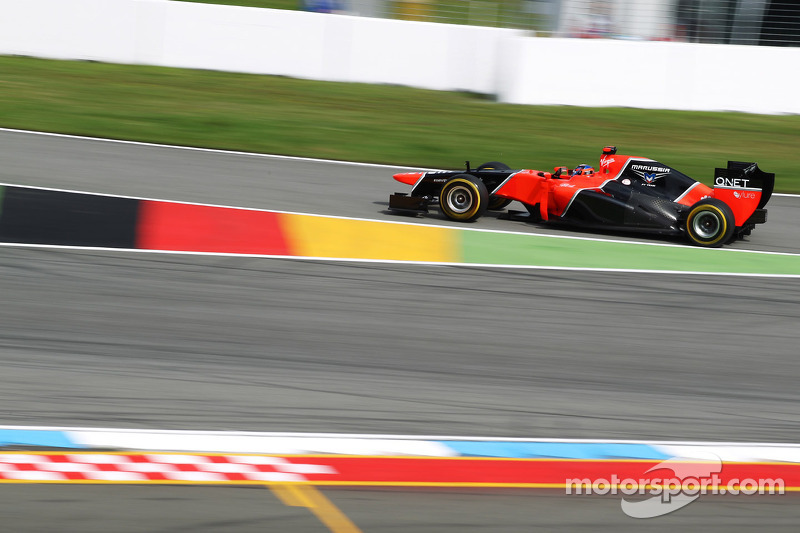 Timo Glock, Marussia F1 Team enters the pits