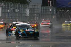 #64 TRG Porsche GT3: Eduardo Costabal, Eliseo Salazar