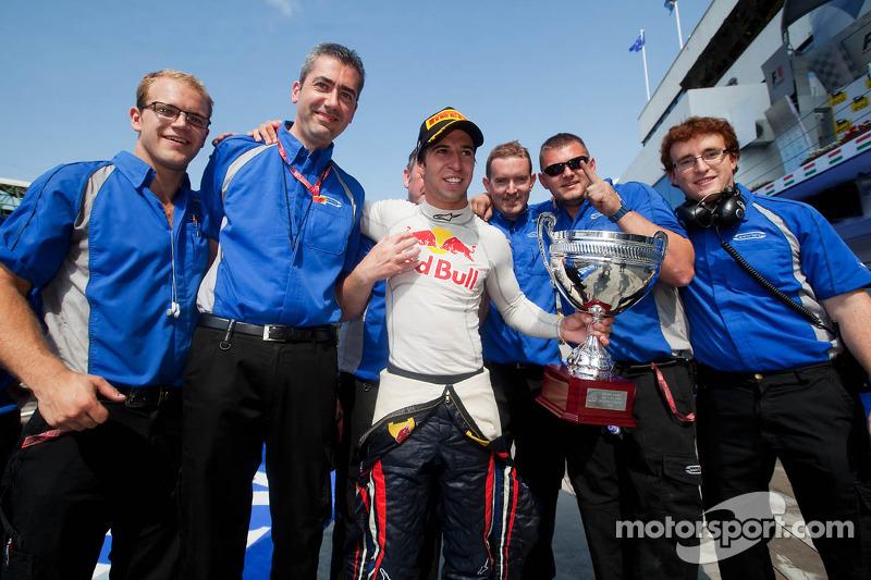 Race winner Antonio Felix da Costa celebrates with his team