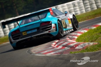 #30 APR Audi R8 LMS Ultra: Yuki Iwasaki, Yuya Sakamoto