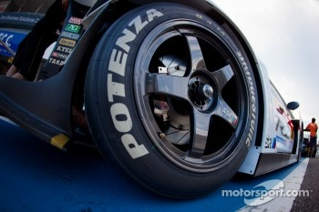 #16 Team Mugen CR-Z wheel detail