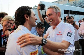Pedro de la Rosa, HRT Formula 1 Team celebrates his 100th GP with Martin Whitmarsh, McLaren Chief Executive Officer