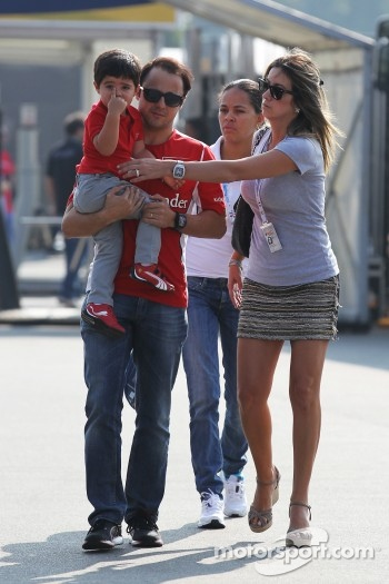 Felipe Massa, Ferrari with his son Felipinho and wife Rafaela Bassi
