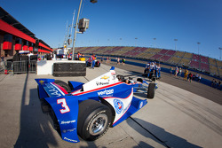 Car of Helio Castroneves, Team Penske Chevrolet heads to starting grid