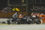 Marshalls recover the Williams of Bruno Senna, Williams who crashed in the second practice session