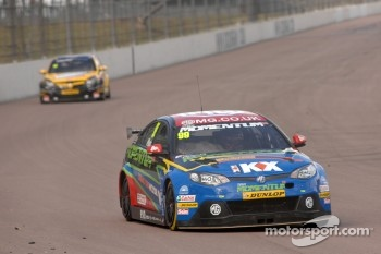 Jason Plato, MG KX Momentum Racing
