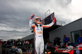 Harry Tincknell wins