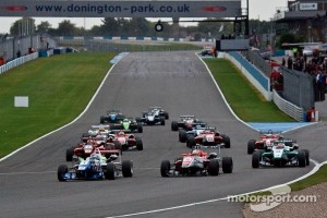 Britsh F3 action race view.
