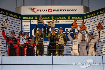 LMP1 Podium: First place Nicolas Prost, Neel Jani; Second place David Brabham, Karun Chandhok, Peter Dumbreck; Third place Nick Leventis, Danny Watts, Jonny Kane