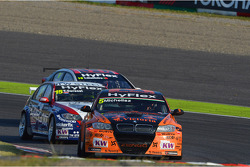 Norbert Michelisz, BMW 320 TC, ROAL Motorsport and Tiago Monteiro, Honda Civic Super