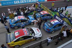 Parc Fermé, Alex MacDowall, Chevrolet Cruze 1.6T, Chevrolet, Yvan Muller, Chevrolet Cruze 1.6T, Chevrolet and Alain Menu, Chevrolet Cruze 1.6T, Chevrolet race winner