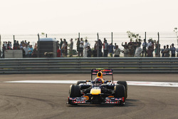 Mark Webber, Red Bull Racing locks up and runs wide on his final qualifying run