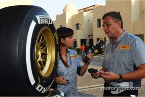 Mario Isola, Pirelli Racing Manager with Laia Ferrer, TV3 Televsion Presenter