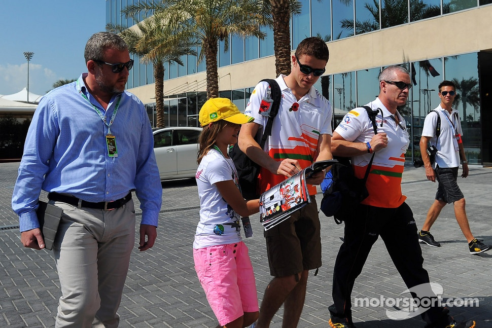http://cdn-3.motorsport.com/static/img/mgl/1400000/1480000/1484000/1484800/1484883/s1_1.jpg