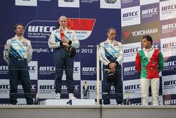1st position Robert Huff, Chevrolet Cruze 1.6T, Chevrolet, 2nd position Yvan Muller, Chevrolet Cruze 1.6T, Chevrolet, 3rd position Alain Menu, Chevrolet Cruze 1.6T, Chevrolet and Stefano D'Aste, BMW 320 TC, Wiechers-Sport 1st position Yokohama Trophy