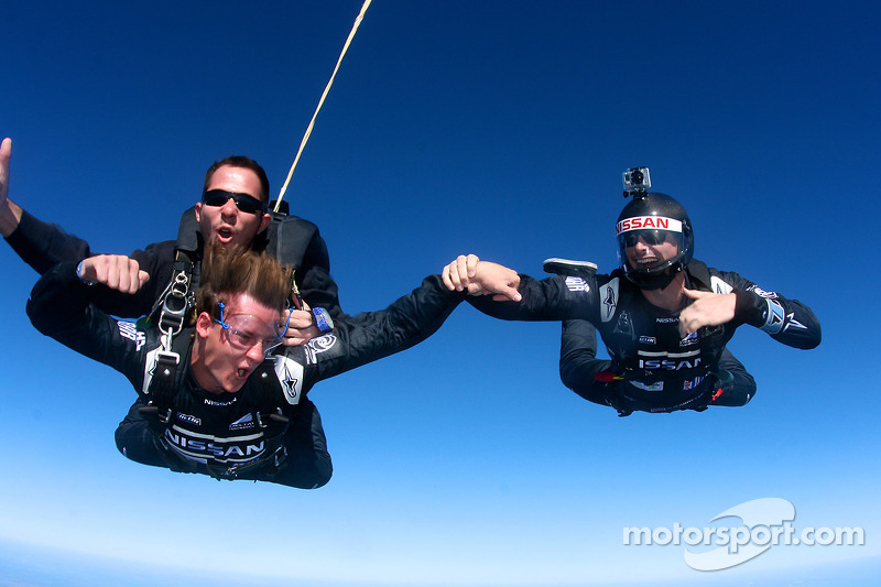 DeltaWing drivers Gunnar Jeannette and Lucas Ordonez go sky diving