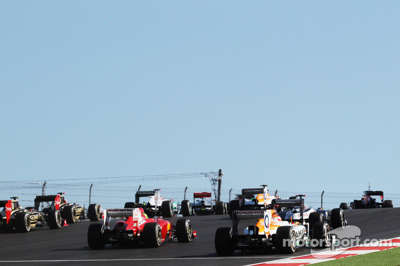 Paul di Resta, Sahara Force India VJM05 at the start of the race