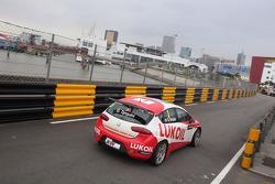 Gabriele Tarquini, SEAT Leon WTCC, Lukoil Racing Team