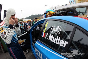 Yvan Muller, Chevrolet Cruze