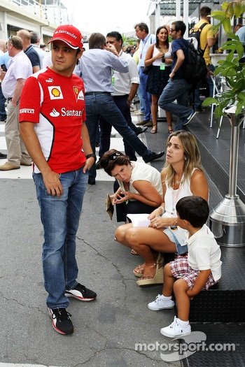 Felipe Massa, Ferrari with wife Rafaela Bassi, and son Felipinho