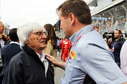 Bernie Ecclestone, CEO Formula One Group, with Paul Hembery, Pirelli Motorsport Director on the grid