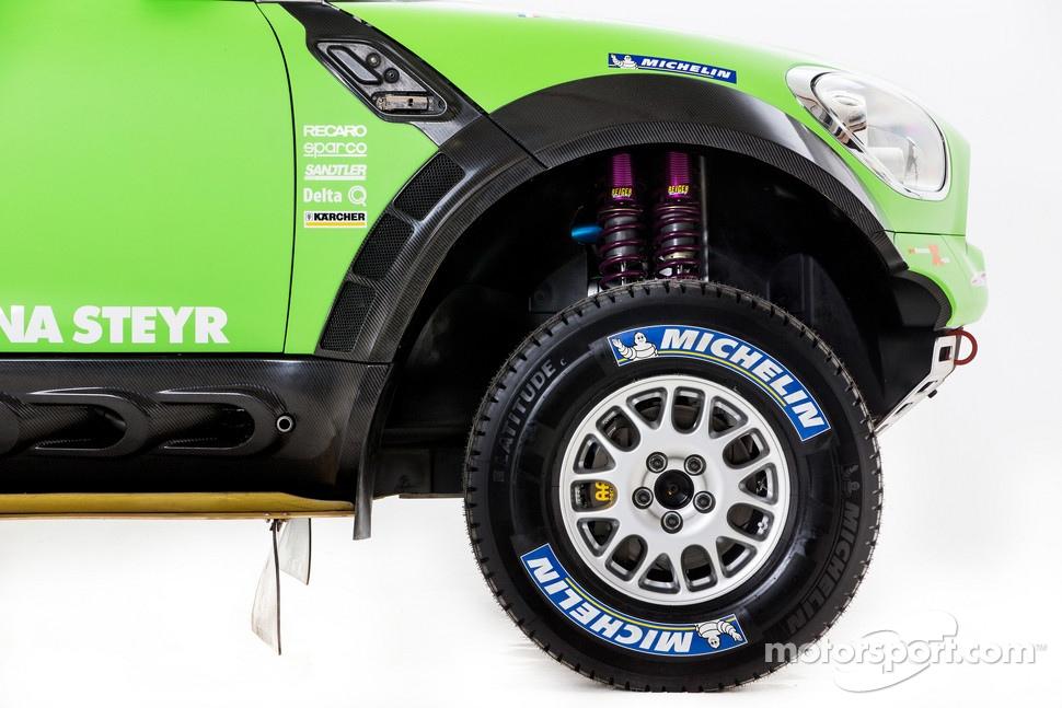 http://cdn-3.motorsport.com/static/img/mgl/1400000/1490000/1494000/1494800/1494853/s1_1.jpg
