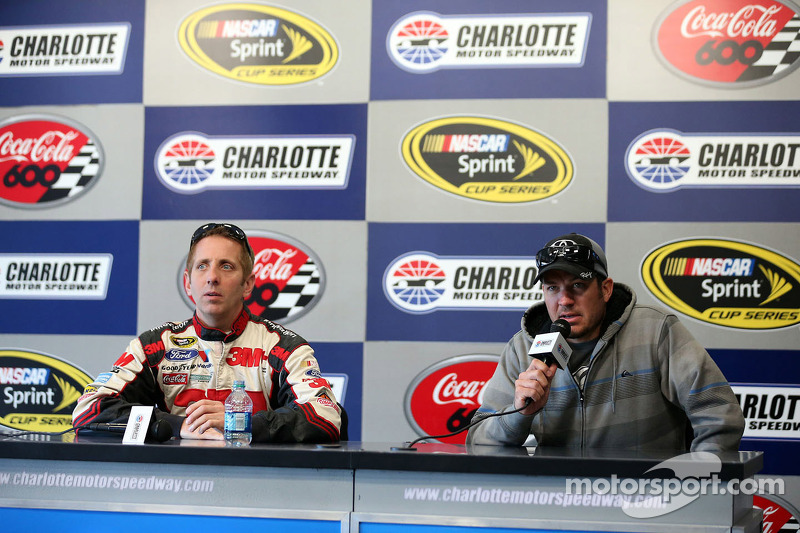 Greg Biffle, Roush Fenway Racing Ford and Martin Truex Jr., Michael Waltrip Racing Toyota
