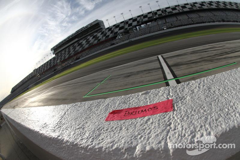 Brumos Racing pit box