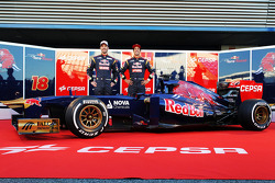 Jean-Eric Vergne, Scuderia Toro Rosso and team mate Daniel Ricciardo, Scuderia Toro Rosso unveil the new Scuderia Toro Rosso STR8