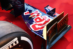Scuderia Toro Rosso STR8 front wing detail
