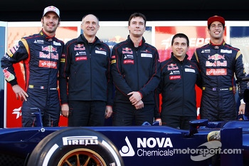 Jean-Eric Vergne, Scuderia Toro Rosso with Franz Tost, Scuderia Toro Rosso Team Principal; James Key, Scuderia Toro Rosso Technical Director; Daniel Ricciardo, Scuderia Toro Rosso