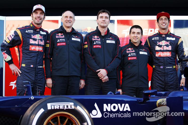 Jean-Eric Vergne, Scuderia Toro Rosso with Franz Tost, Scuderia Toro Rosso Team Principal; James Key, Scuderia Toro Rosso Technical Director; Daniel Ricciardo, Scuderia Toro Rosso