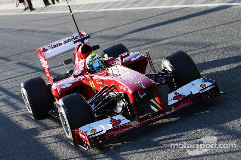 Felipe Massa, Ferrari F138 leaves the pits