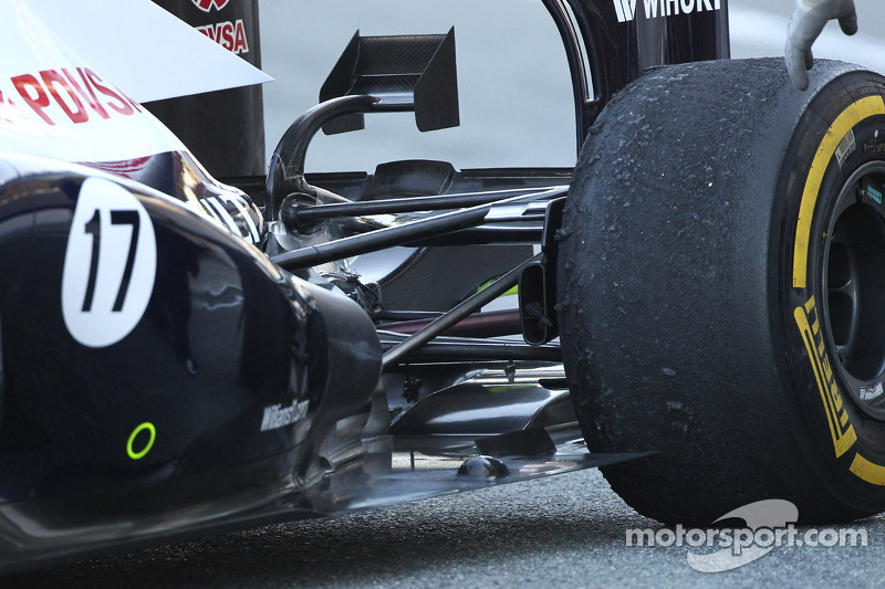 Williams FW34 rear suspension