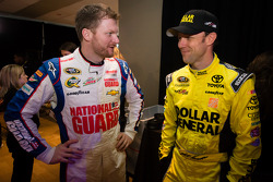 Dale Earnhardt Jr, Hendrick Motorsports Chevrolet and Matt Kenseth, Joe Gibbs Racing Toyota