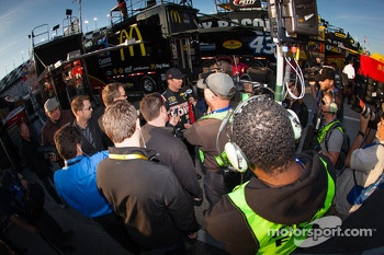 Kurt Busch, Furniture Row Racing Chevrolet talks with the media after the crash