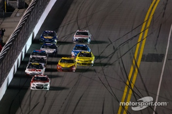 Kevin Harvick, Richard Childress Racing Chevrolet leads the field to the checkered flag