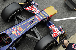 Scuderia Toro Rosso STR8 nosecone