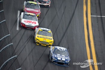 Jimmie Johnson, Hendrick Motorsports Chevrolet, Marcos Ambrose, Richard Petty Motorsports Ford, Greg Biffle, Roush Fenway Racing Ford