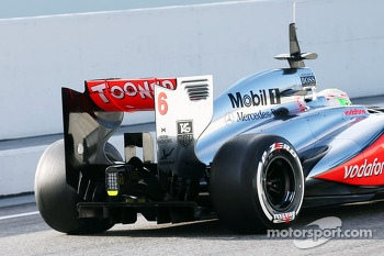 Sergio Perez, McLaren MP4-28 rear wing and rear diffuser