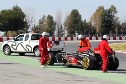 Davide Valsecchi, Lotus F1 E21 Third Driver stops on the circuit