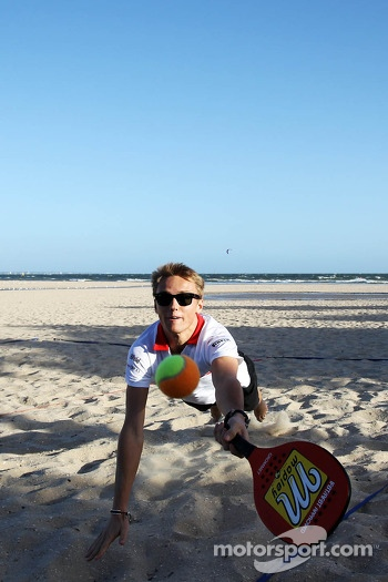 Max Chilton, Marussia F1 Team plays beach tennis
